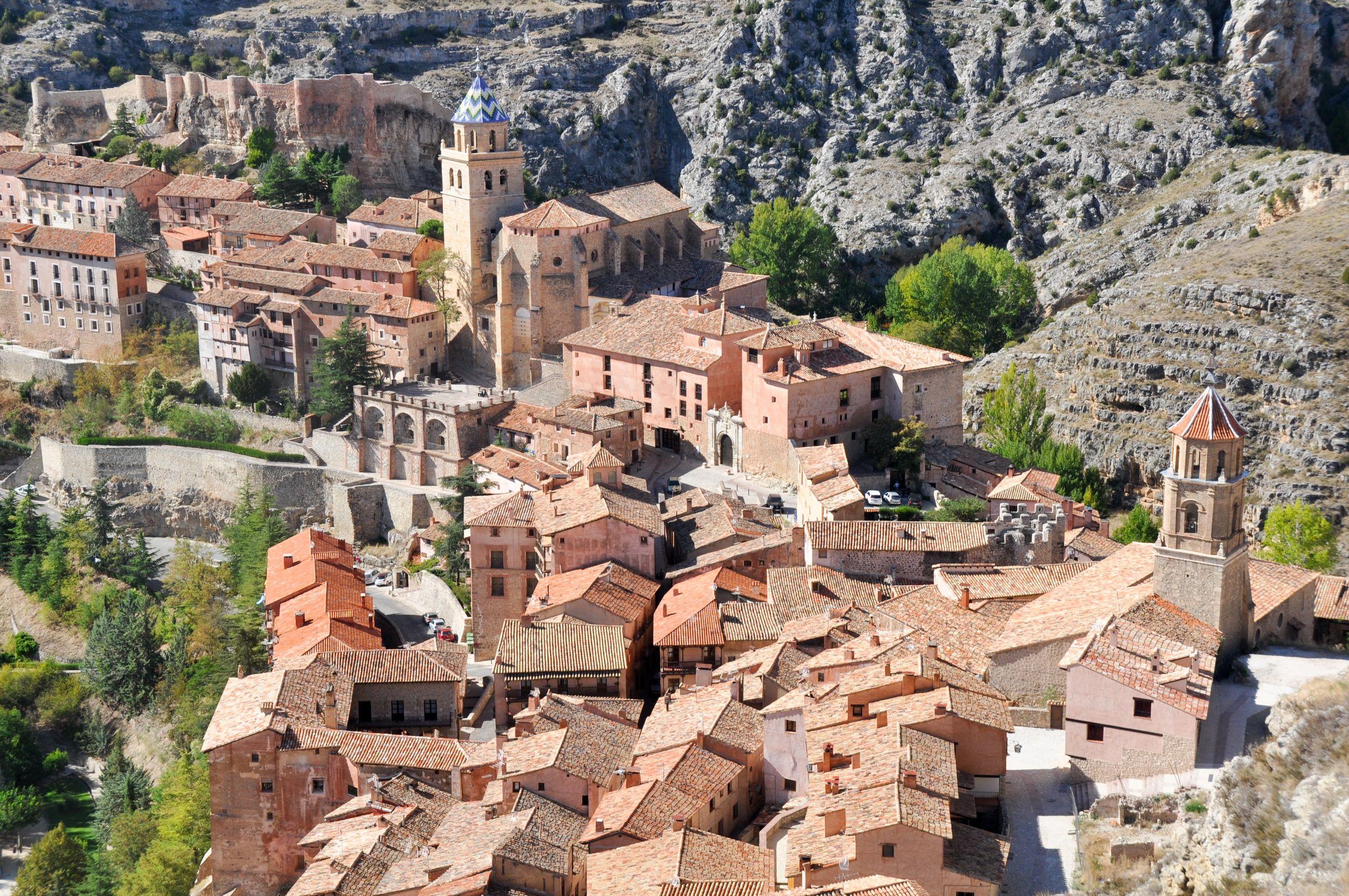 北スペインの観光スポットであるアラゴンのアルバラシン