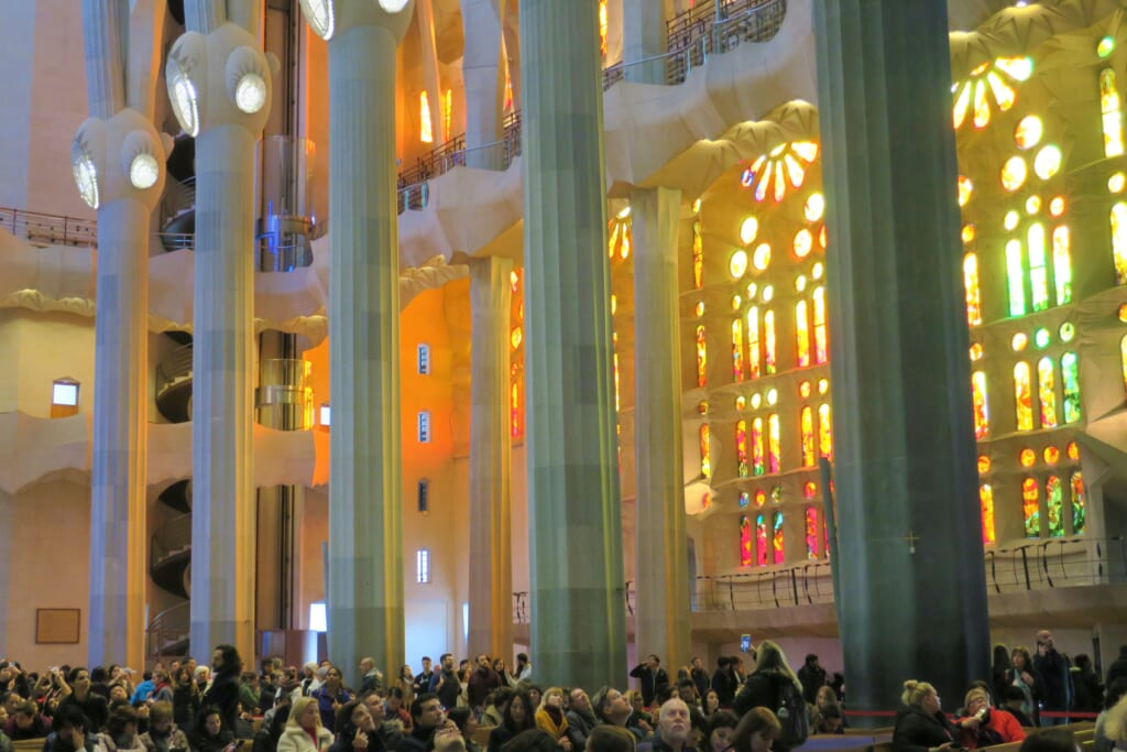 北スペインの観光スポットであるバルセロナのサグラダ・ファミリア教会