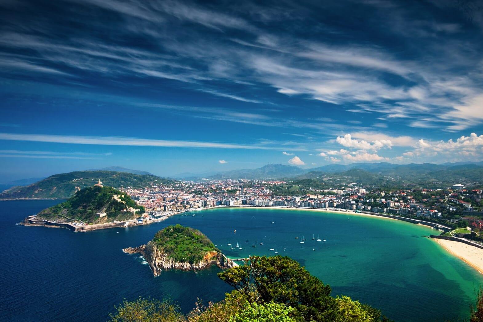北スペインの観光スポットであるバスクのサン・セバスチャン