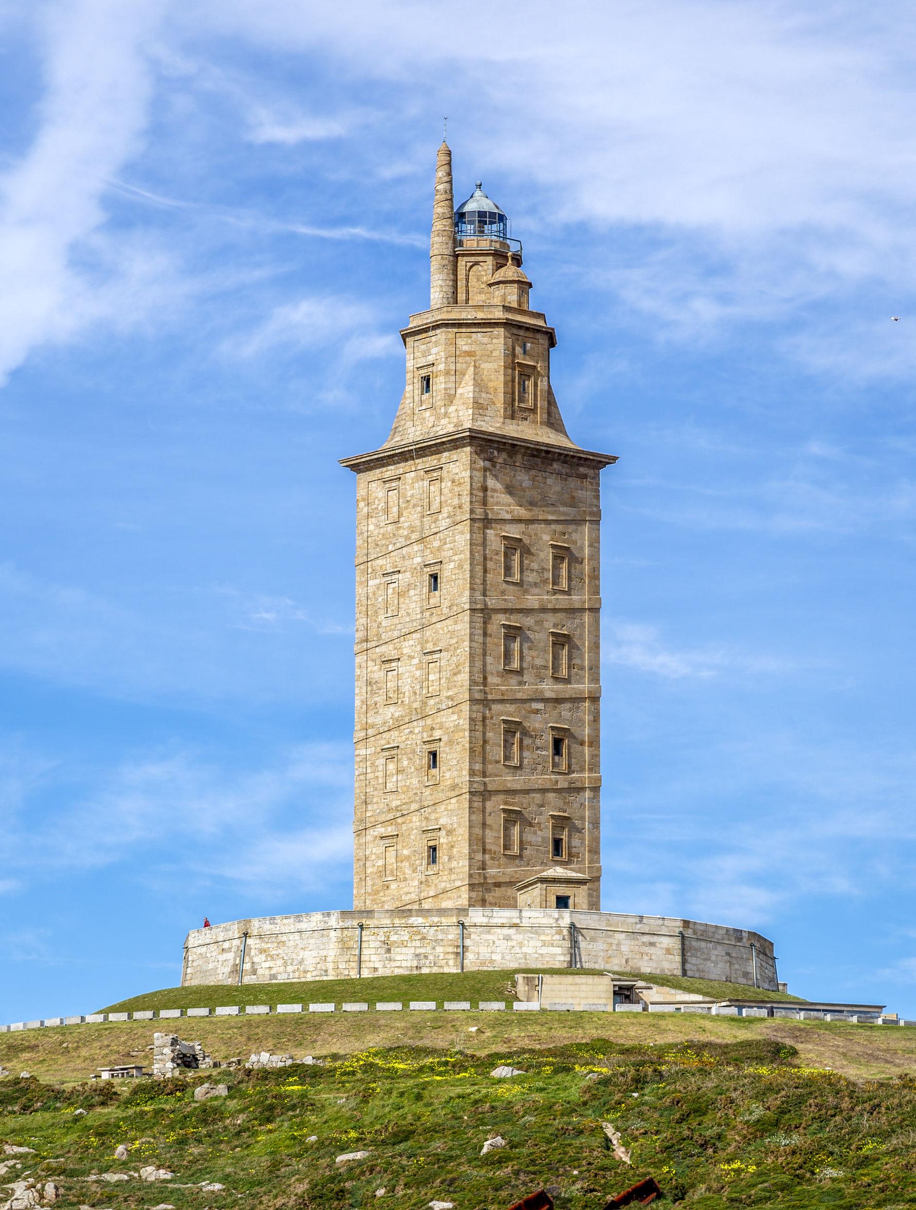 北スペインの観光スポットであるガリシアのヘラクレスの塔
