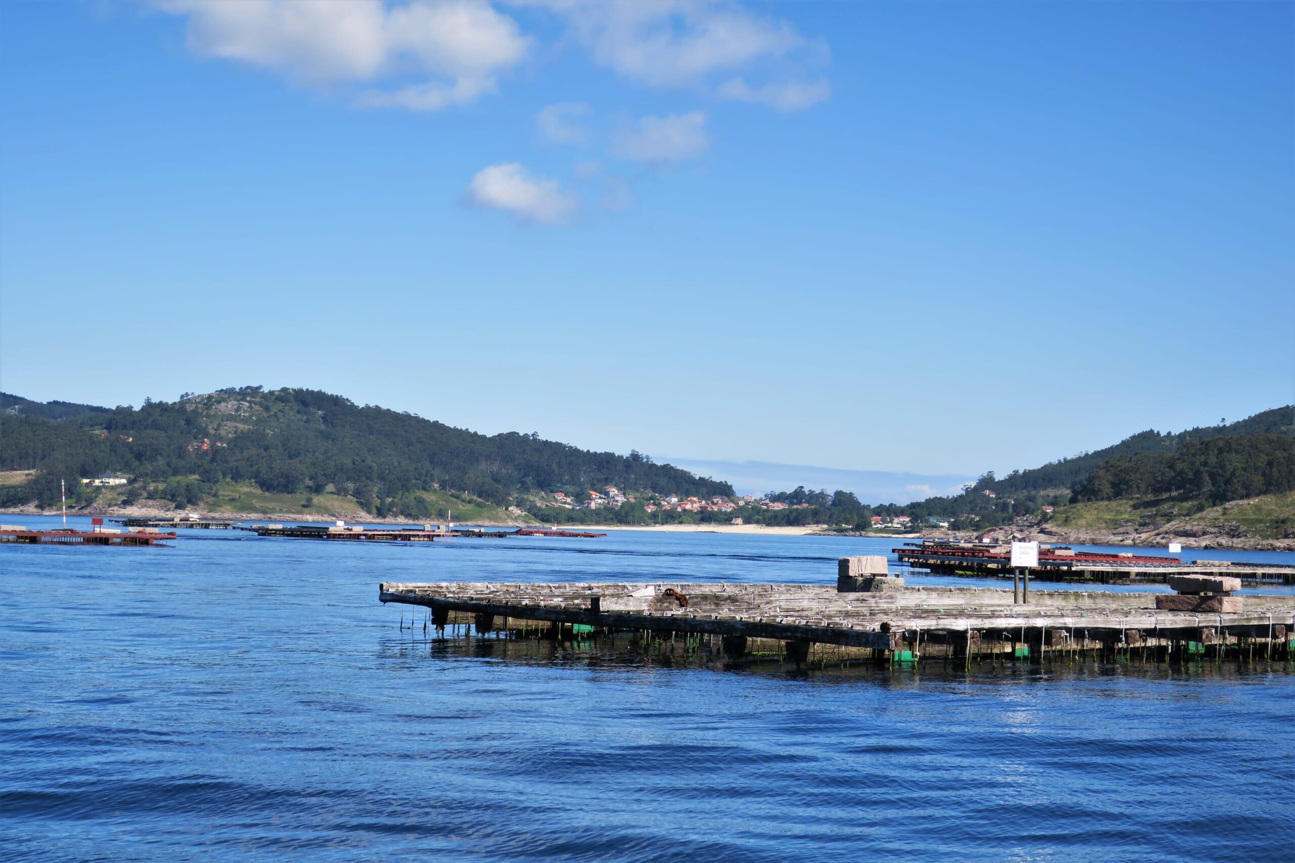 北スペインの観光スポットであるガリシアのリアス式海岸