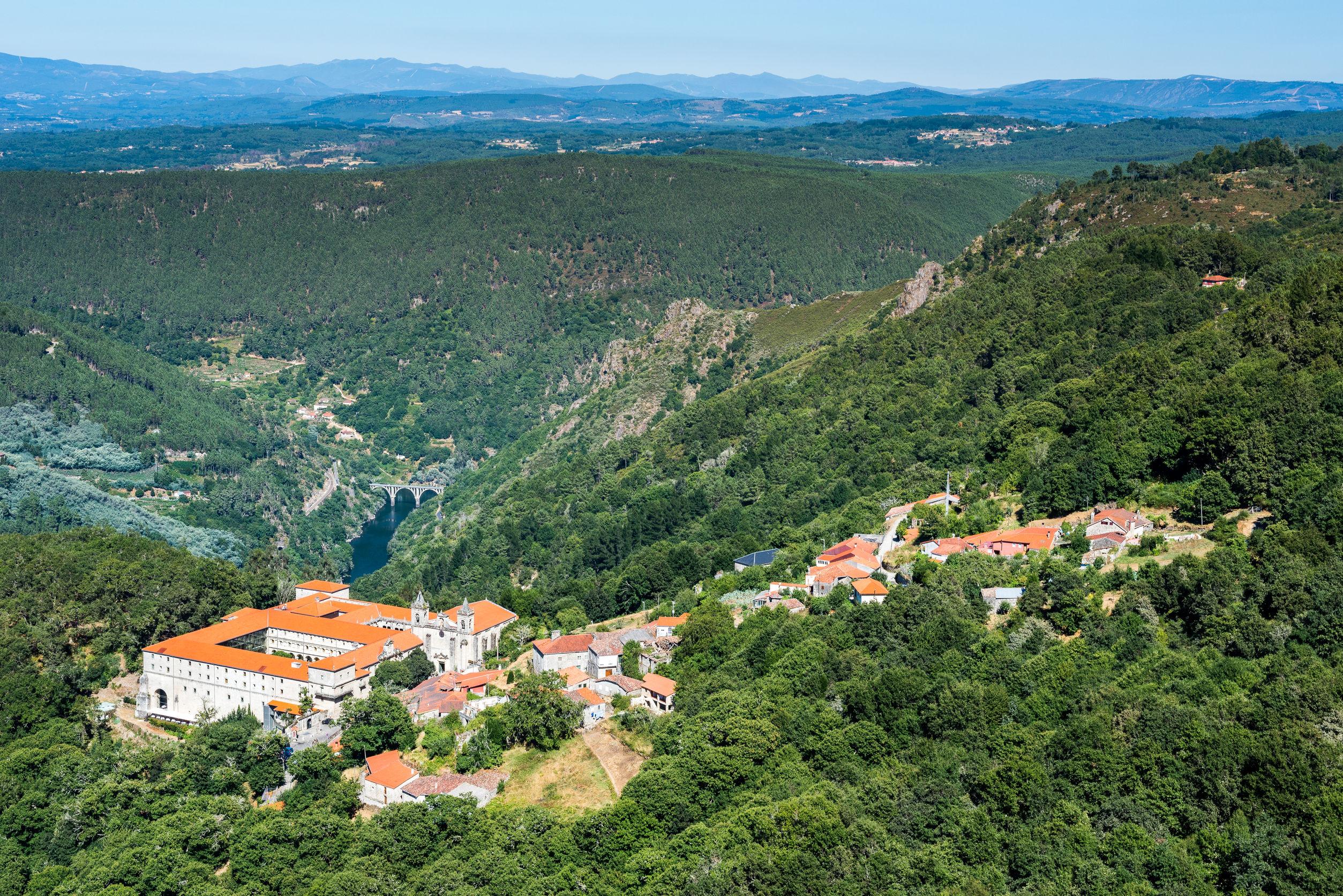 北スペインの観光スポットであるガリシアのリベイラサクラ