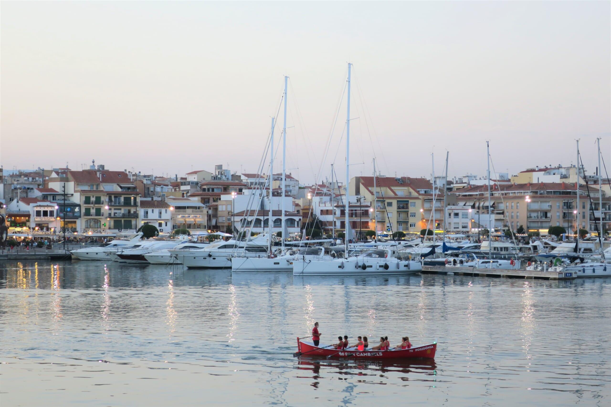 北スペインの観光スポットであるカタルーニャのカンブリルス