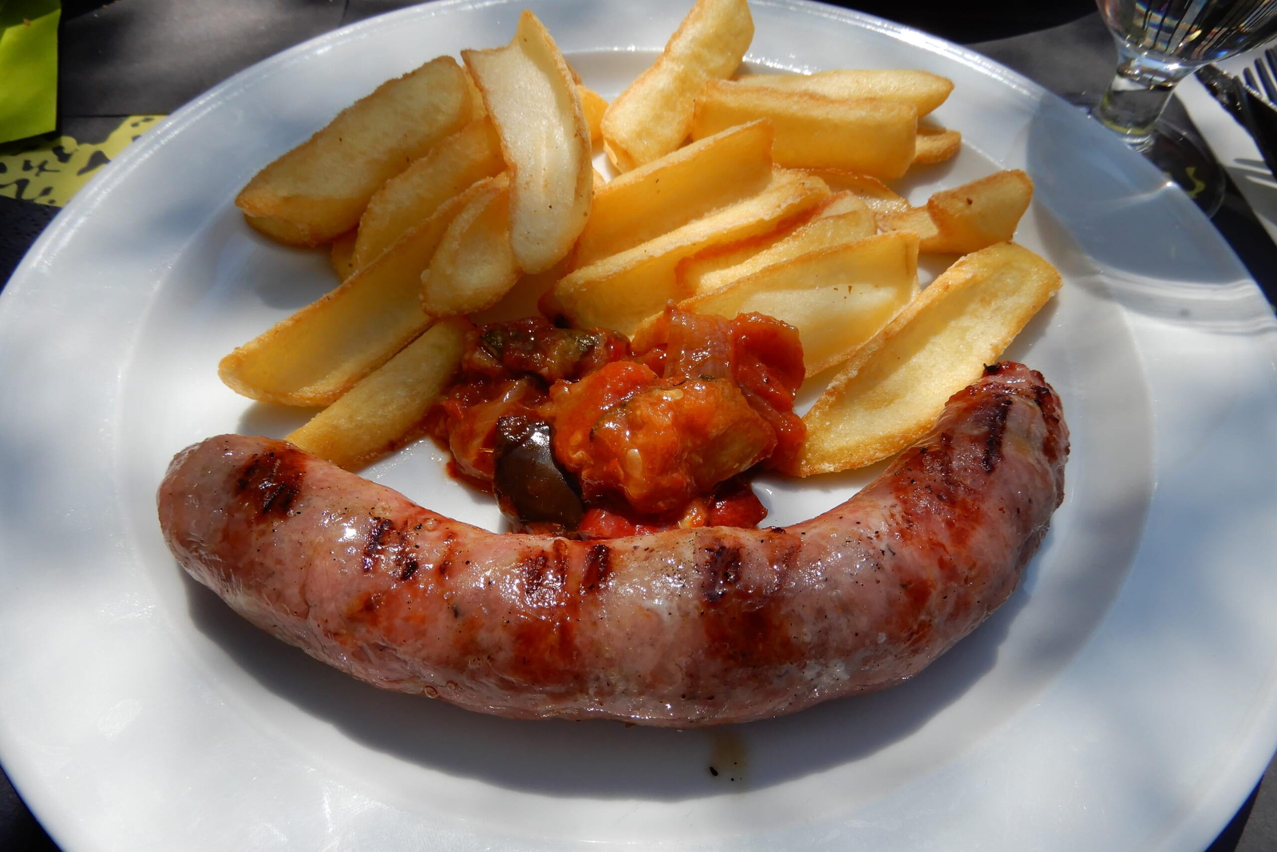 カタルーニャの郷土料理であるブティファラ
