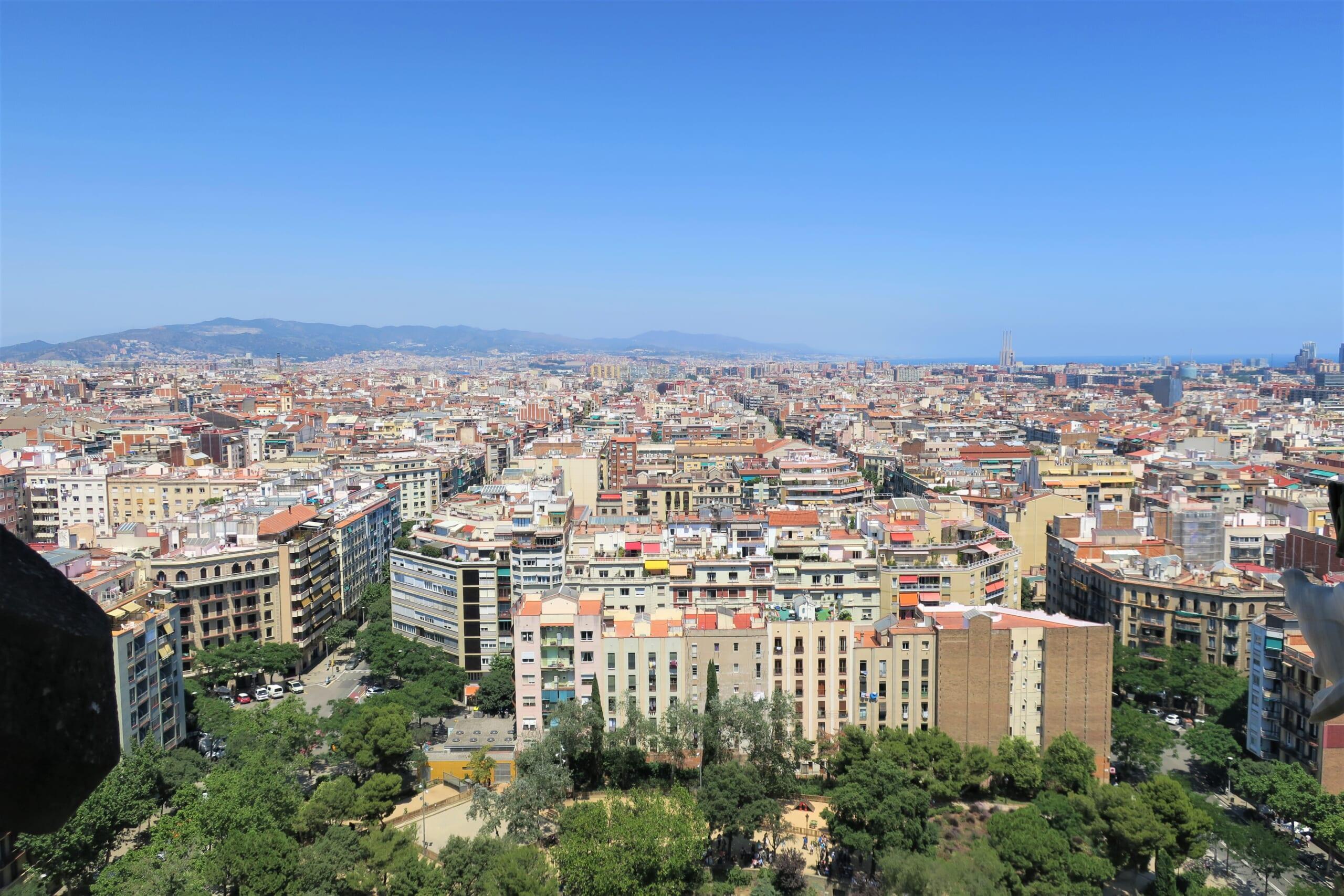 北スペインの観光スポットであるカタルーニャのサグラダ・ファミリア