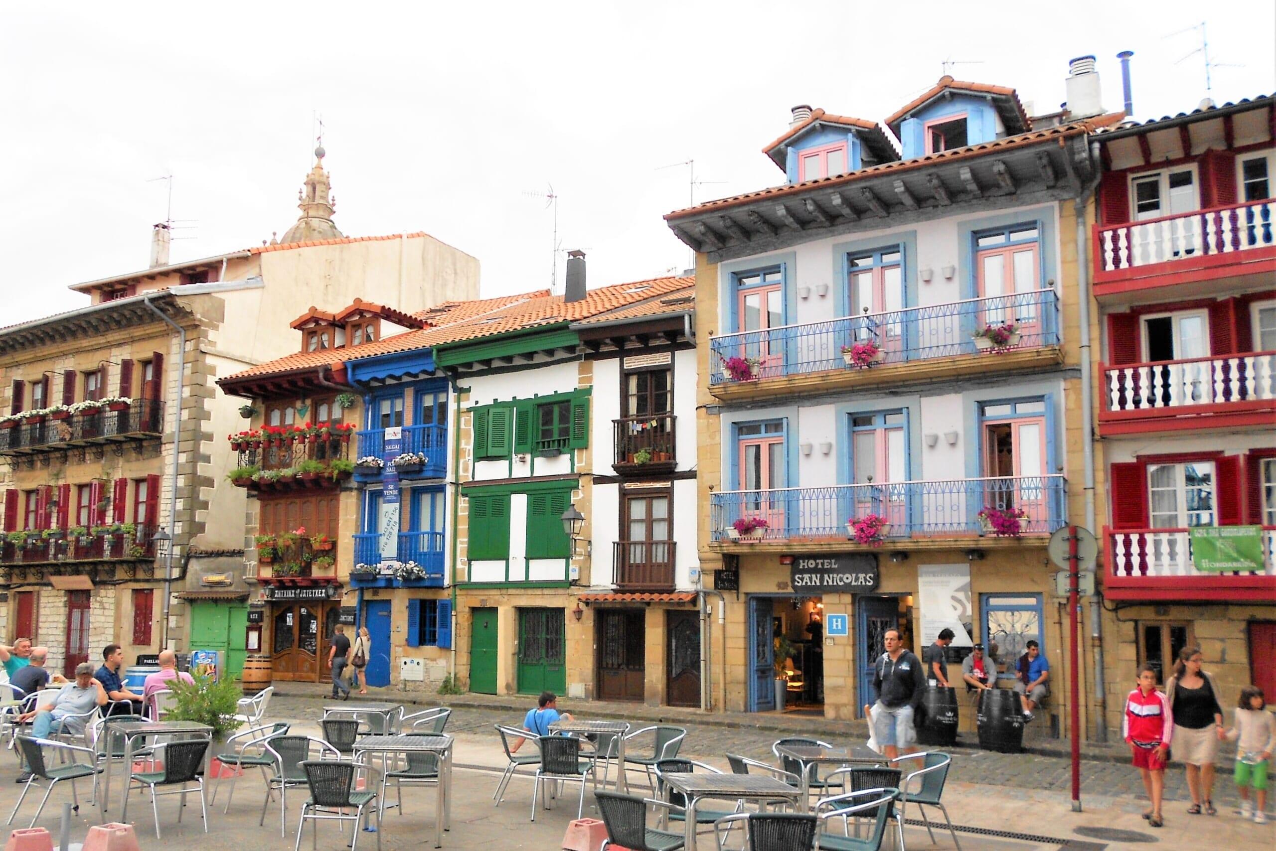 北スペインの観光スポットであるバスクのオンダリビア