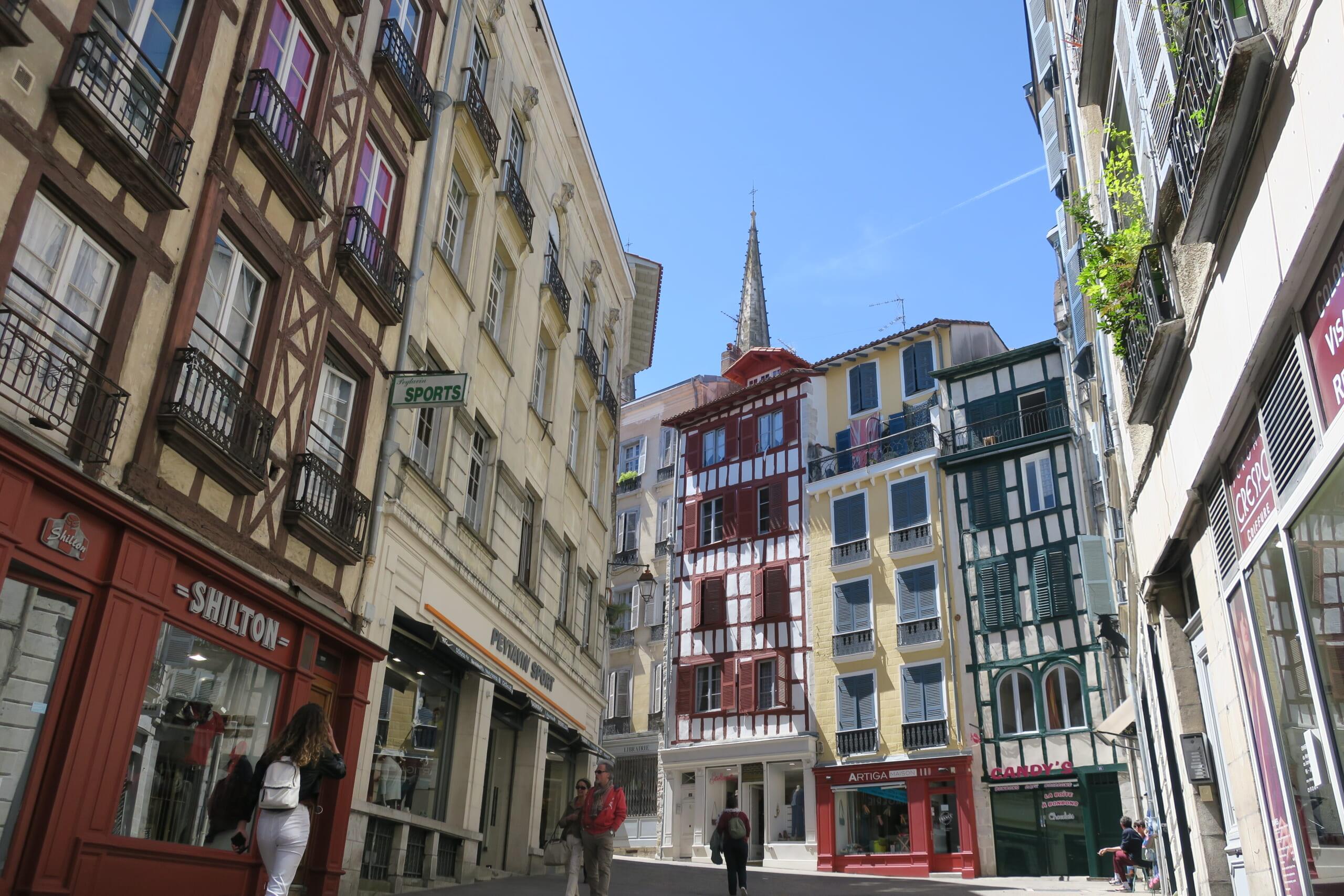 フレンチバスクのバイヨンヌの旧市街地