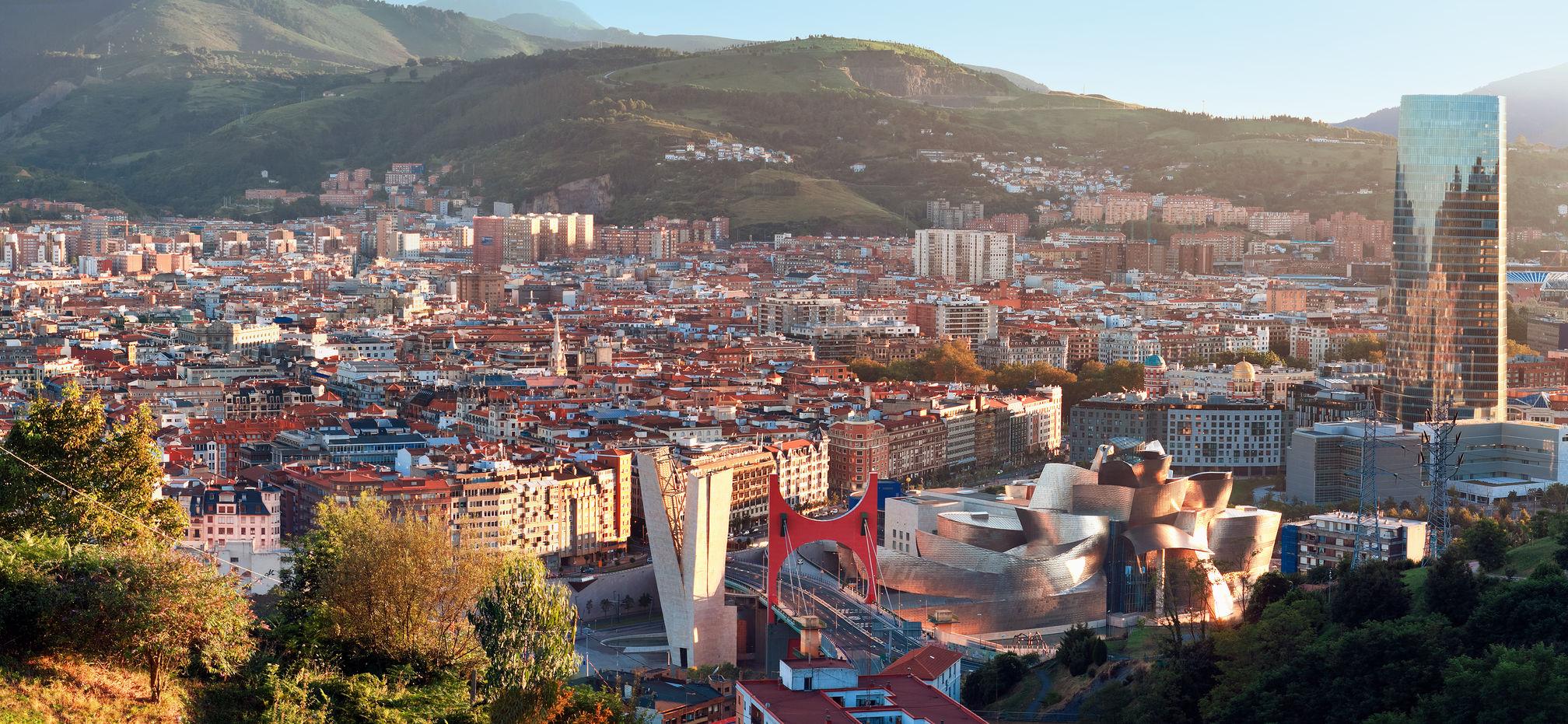 北スペインの観光地であるバスクのビルバオ