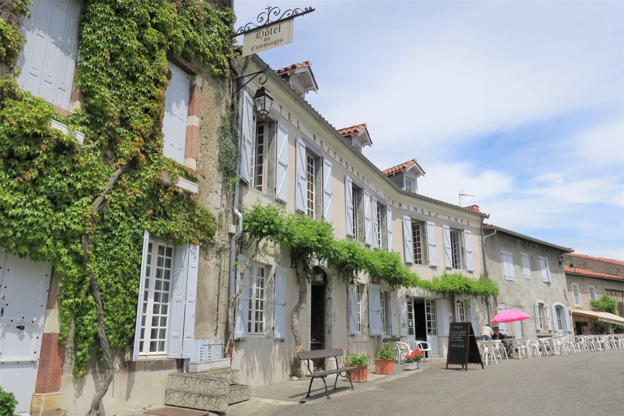 観光スポットであるピレネー山中に佇むサン=ベルトラン=ド=コマンジュの旧市街