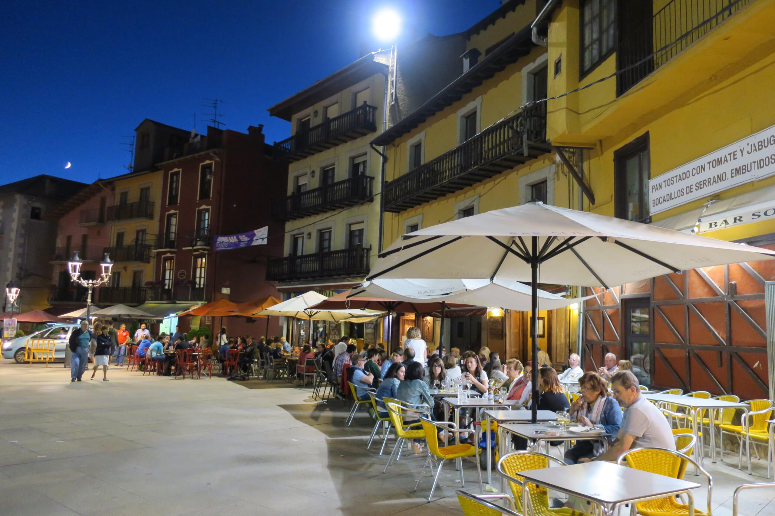 北スペインの観光スポットであるカタルーニャのプッチサルダー