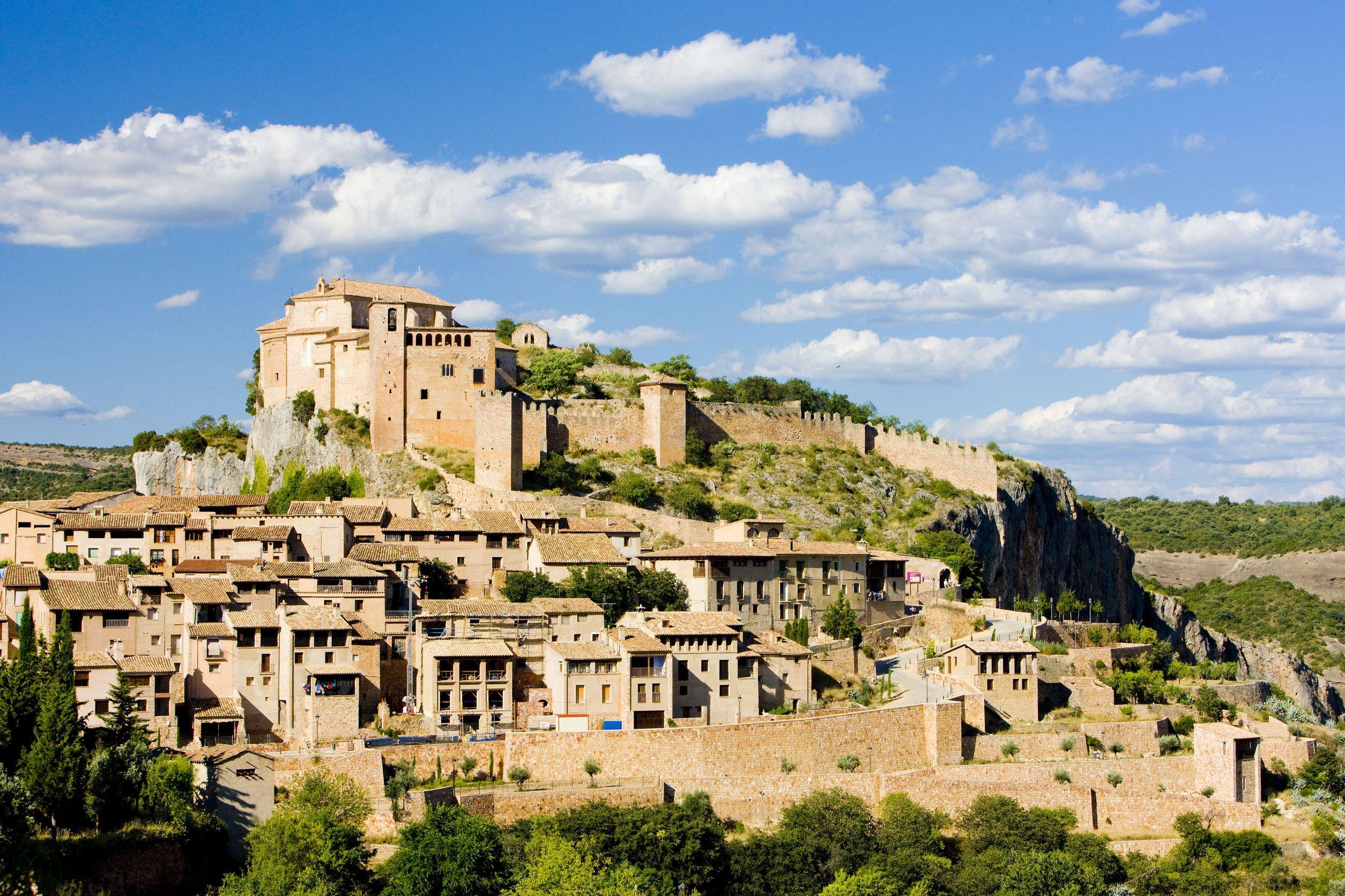 北スペインの観光スポットであるピレネーのアルケサル
