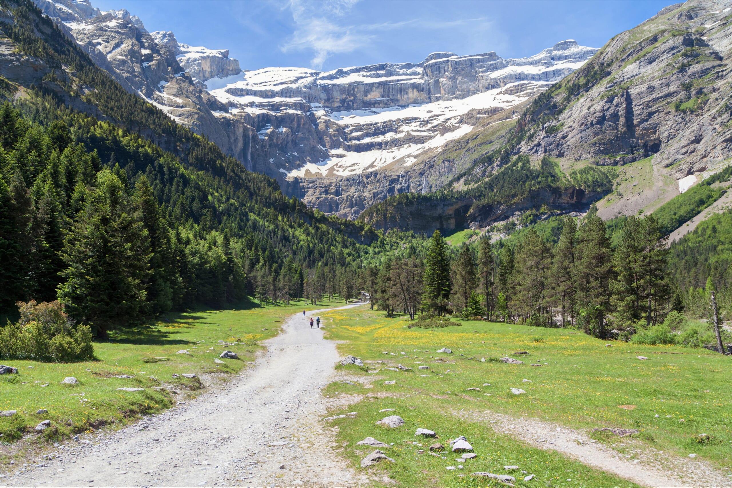 ピレネーに位置するガヴァルニー圏谷