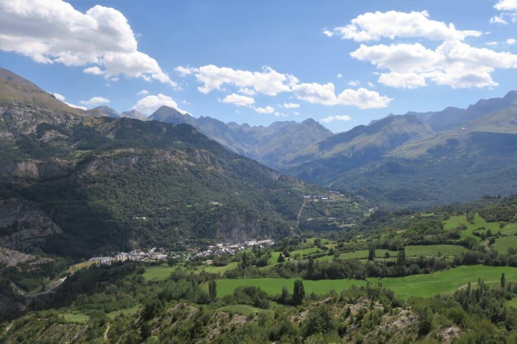北スペインの観光スポットであるアラゴン・ピレネーのテナ渓谷
