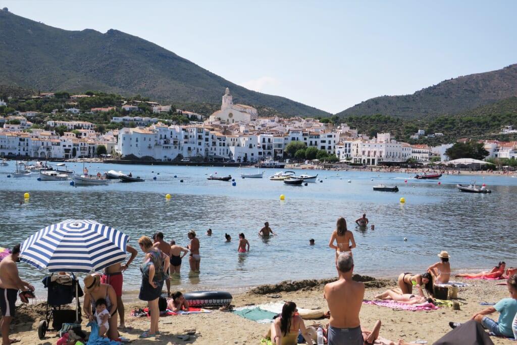 北スペインの観光スポットであるカタルーニャのカダケス
