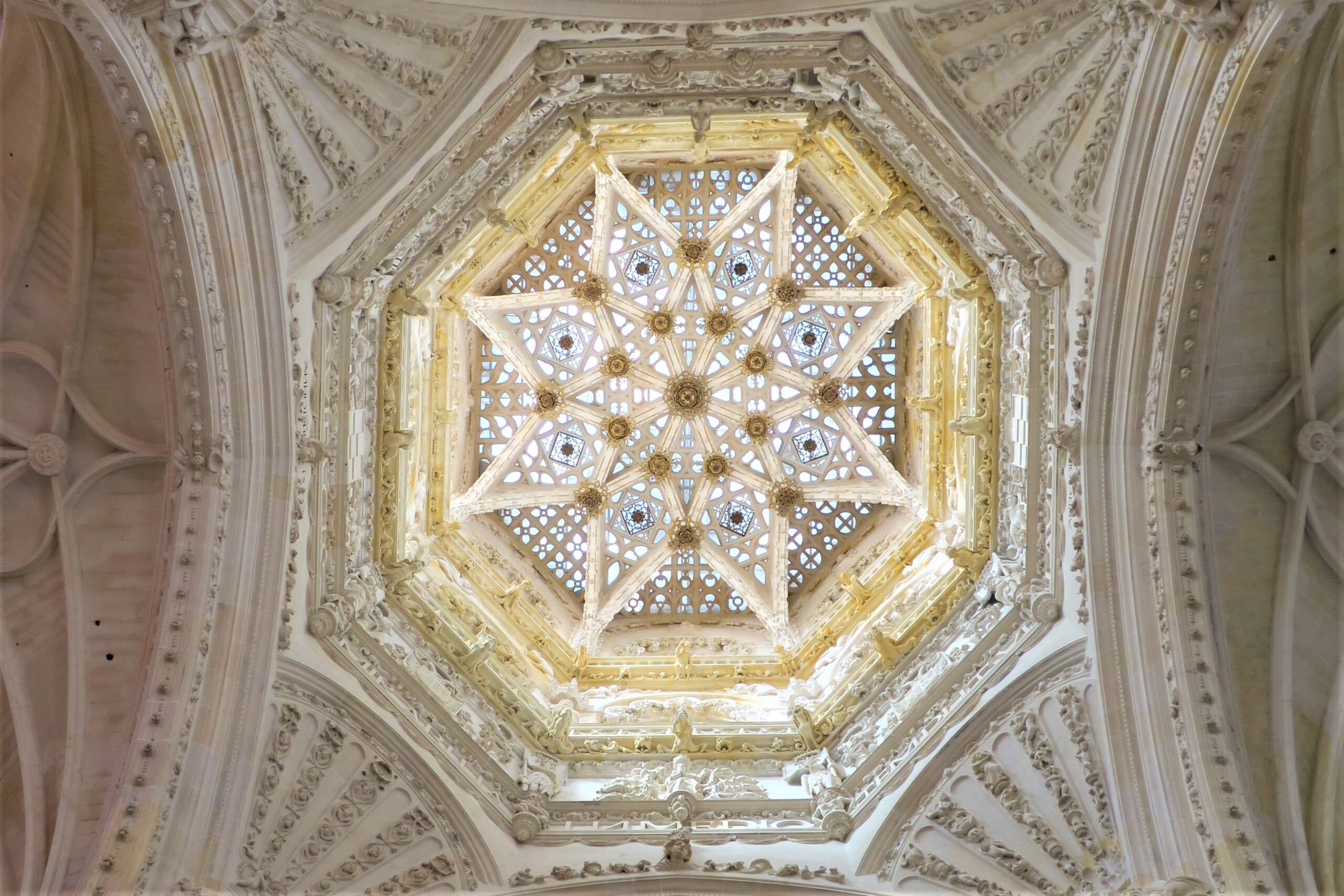 北スペインのサンティアゴ巡礼路の経由地であるブルゴスの大聖堂