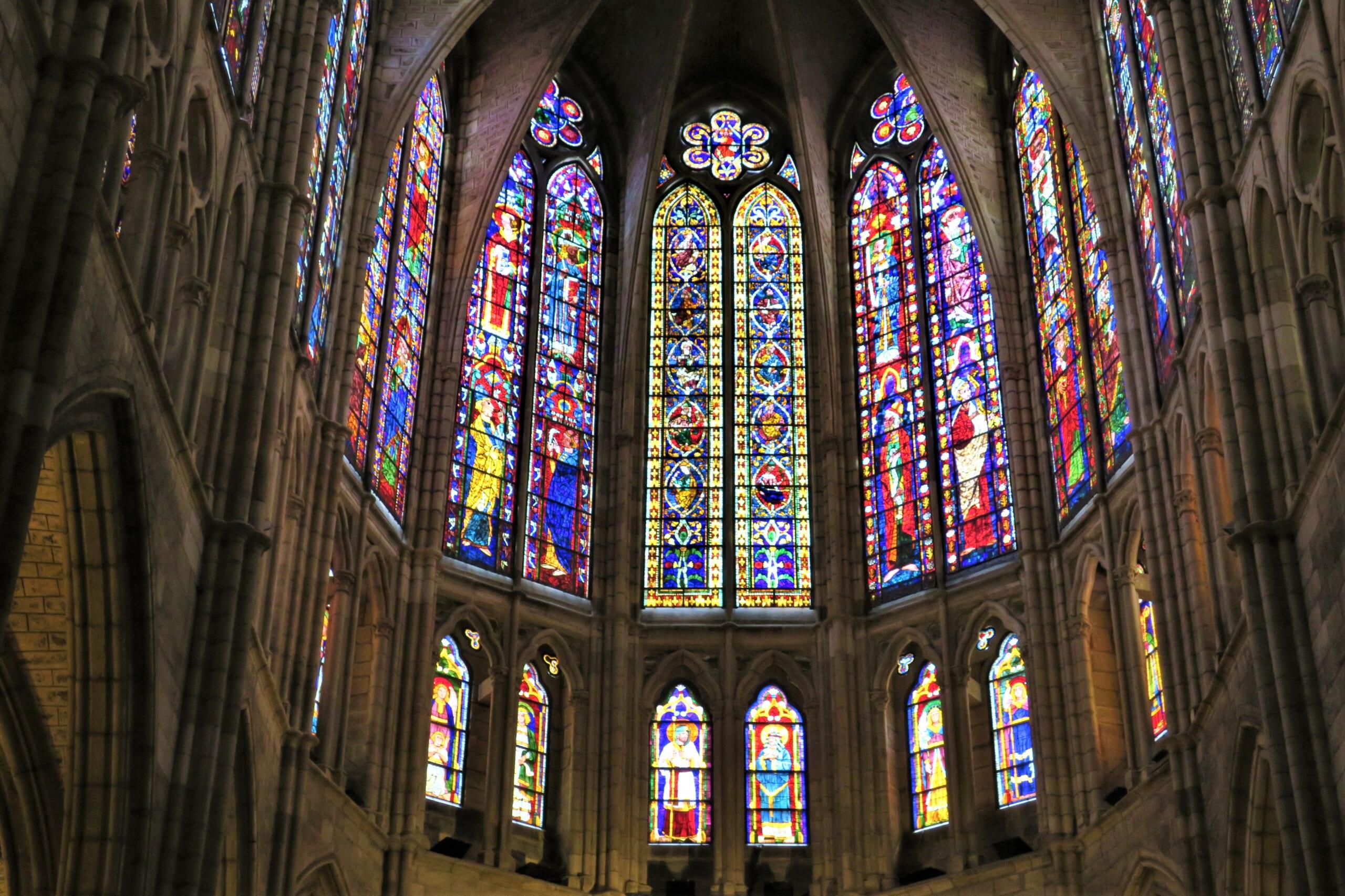 北スペインのサンティアゴ巡礼路の経由地であるレオンの大聖堂