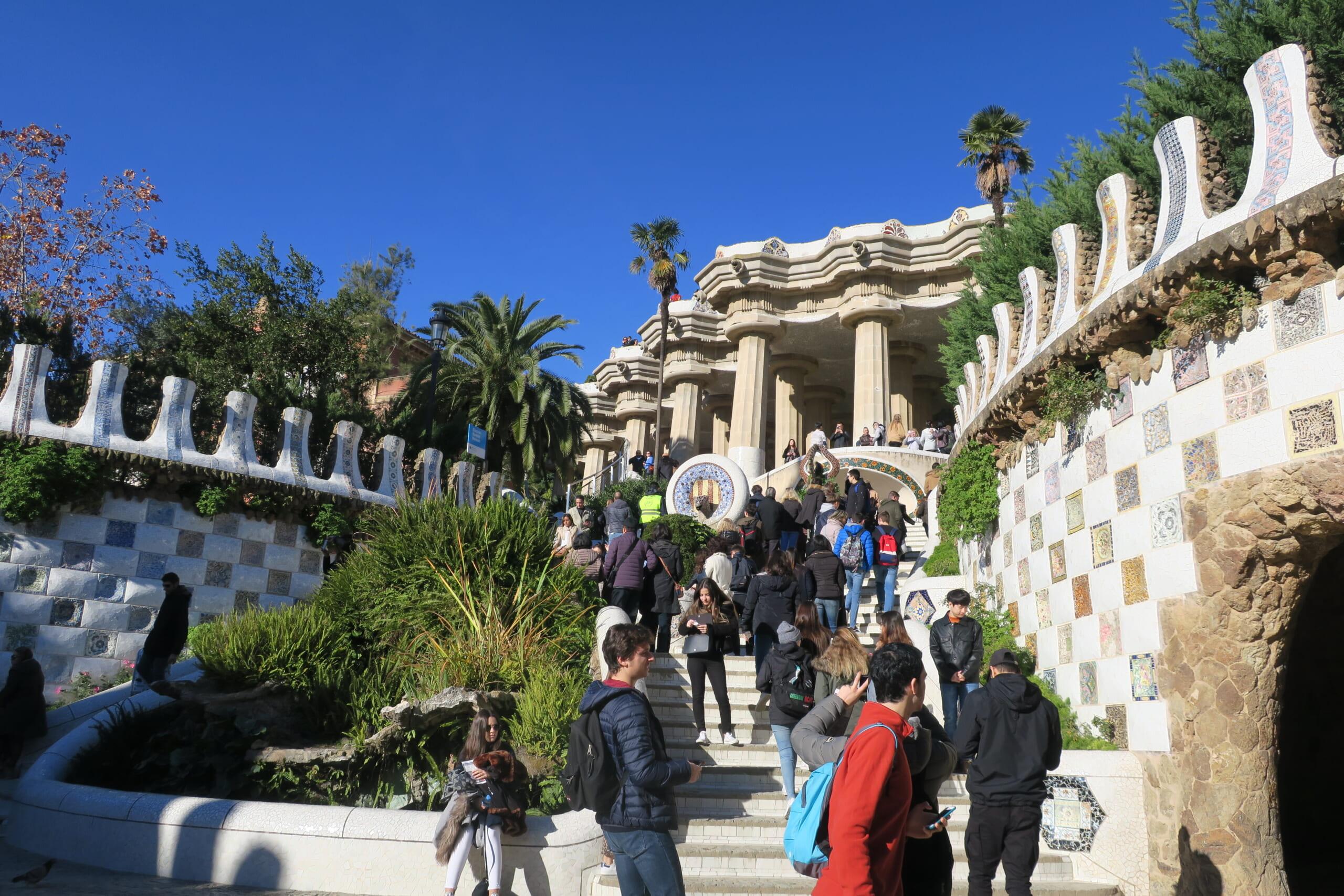 北スペインのガウディ建築