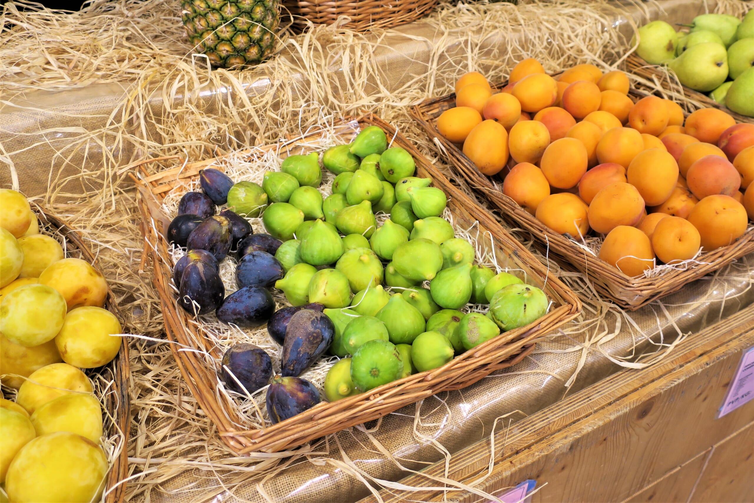 北スペインの夏の果物
